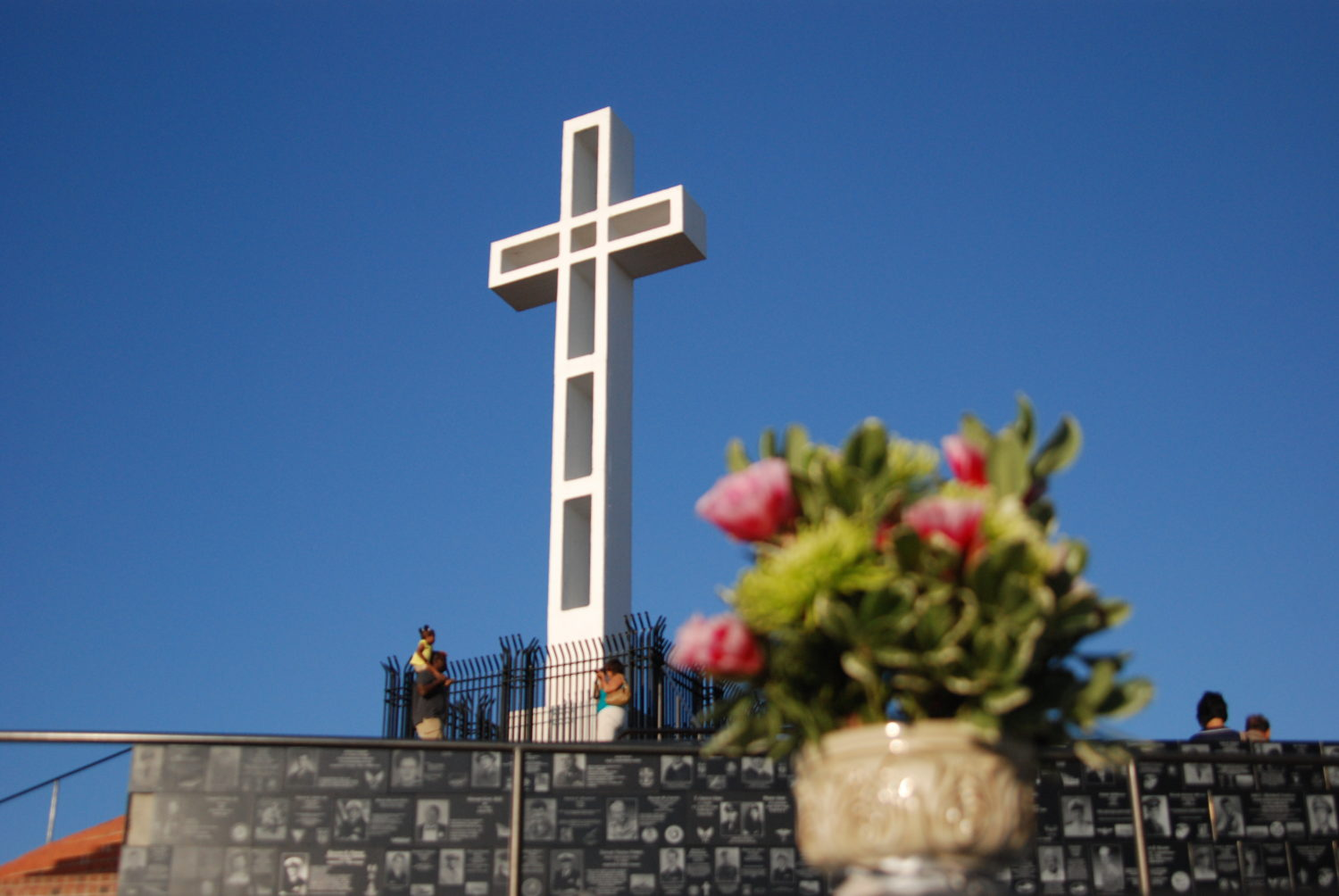 Crosses Didn't Burn in Southern California Wildfires?