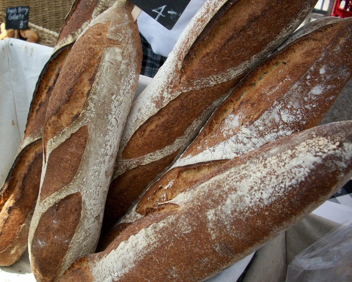 Were 'Bladed Weapons' Discovered in Baguettes During Riots in France?