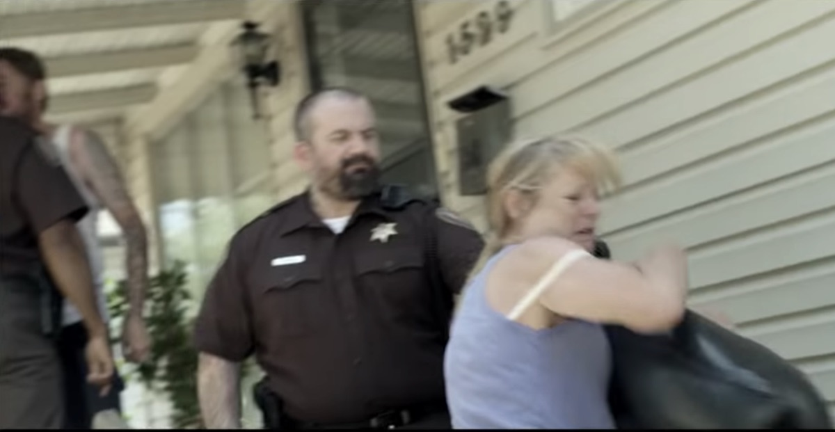 nathan-phillips-attacking-police-7