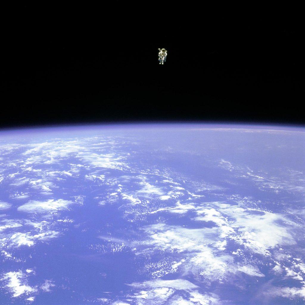bruce mccandless untethered astronaut